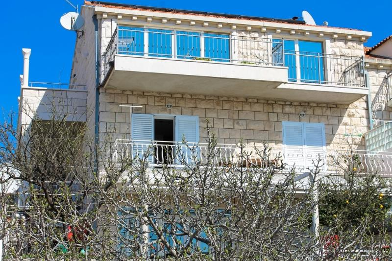 Apartment Bruno, vacation rental in Mlini