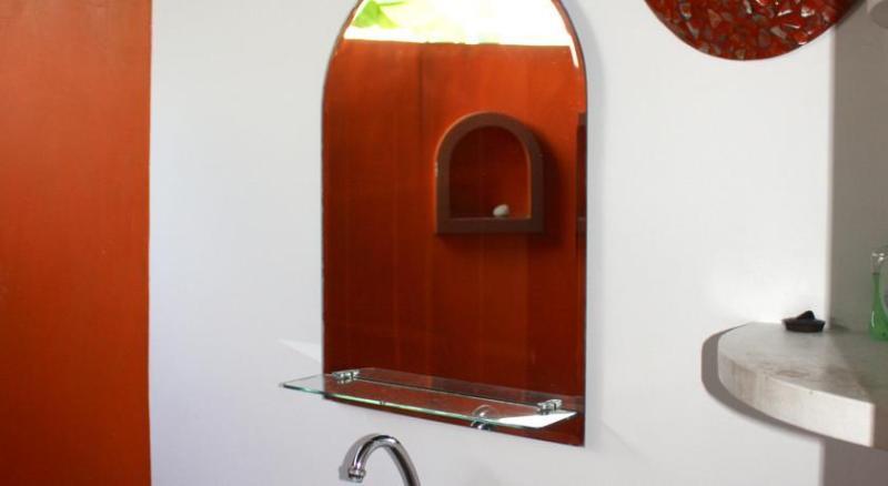 sink mirror