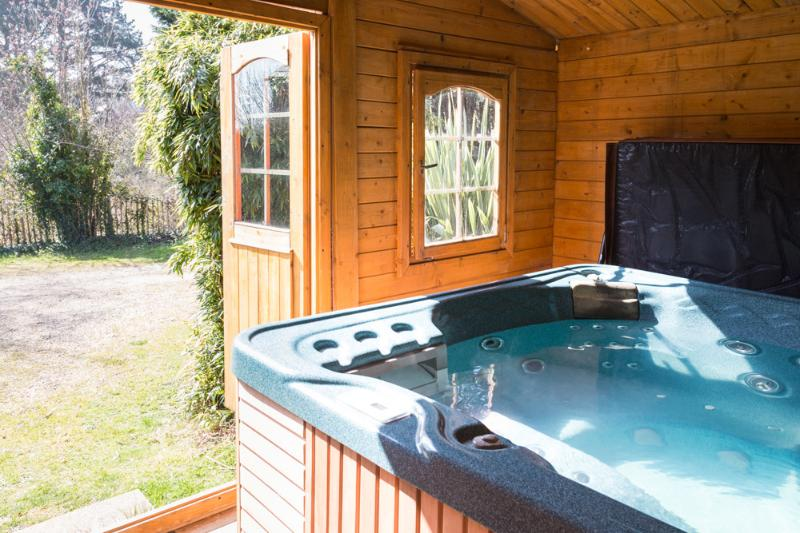 Hot tub in summer house