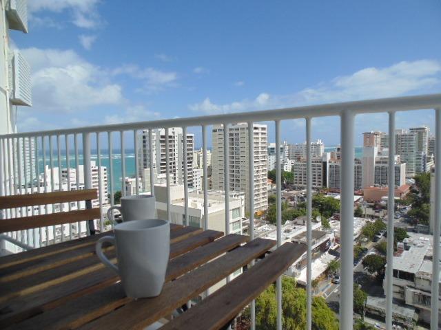 Café en el balcón