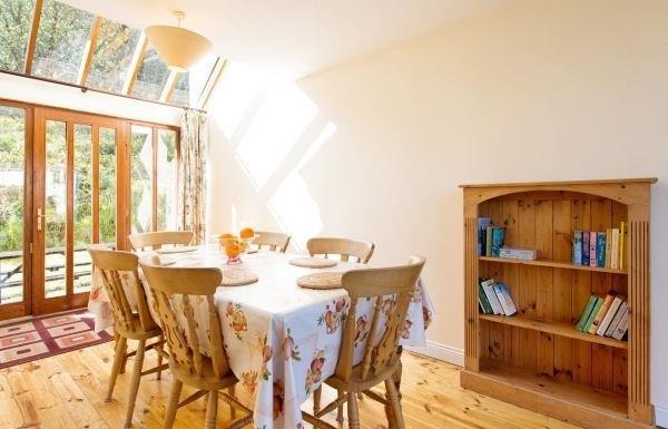 Sunroom/Diningroom