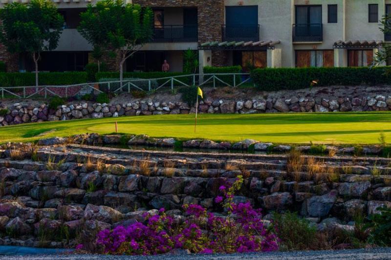 Golf, Valle del Este, 15 mins drive