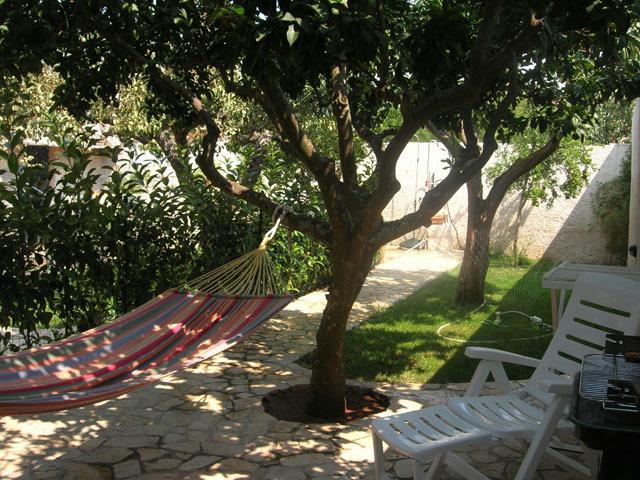 Casa con giardino vicino alle Maldive del Salento, vacation rental in Montesardo