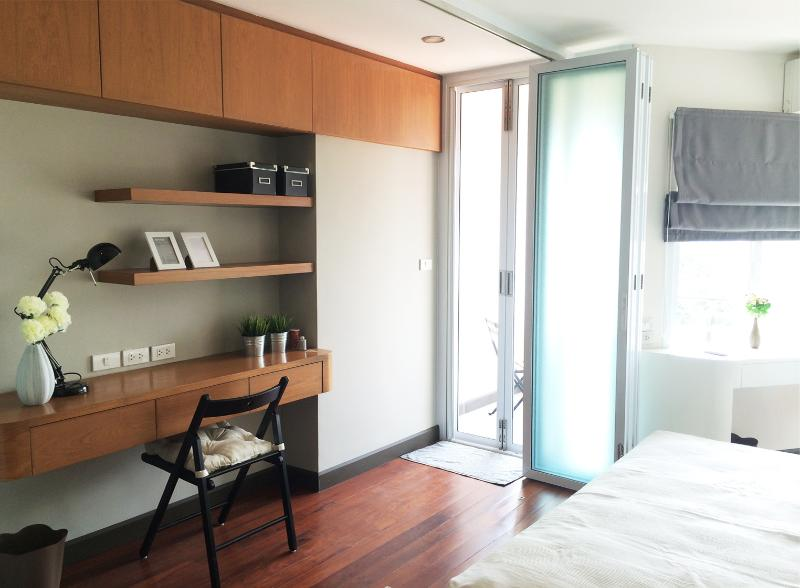 Cozy room with mountain view! Near Nimman Rd., holiday rental in Chang Phueak