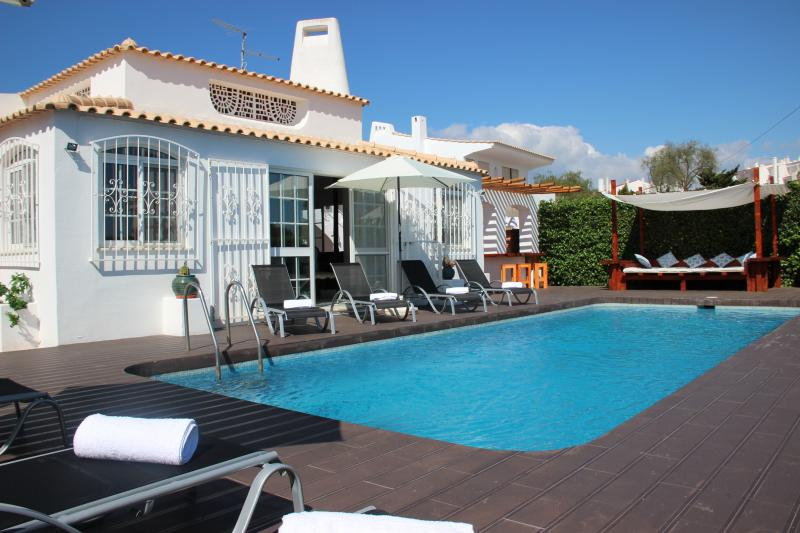 VILLA OURA BEACH, vacation rental in Albufeira