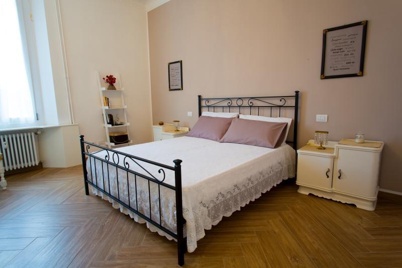 Grazioso e comodo bilocale in Bicocca, Ferienwohnung in Sesto San Giovanni