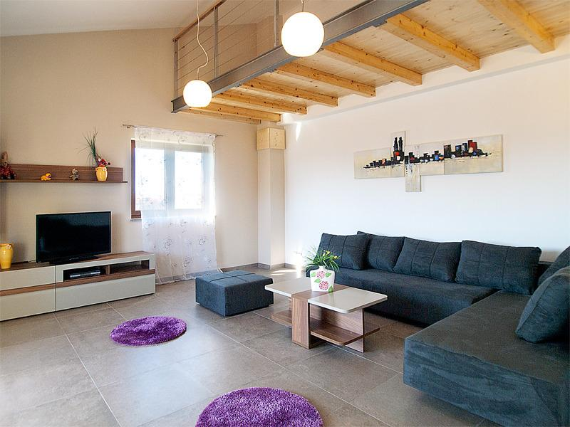 Comfortable livingroom with extra posibilitty for sleep for 2 persons