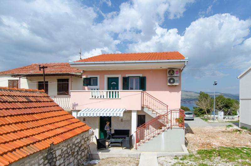 House Vukman, alquiler de vacaciones en Okrug Donji