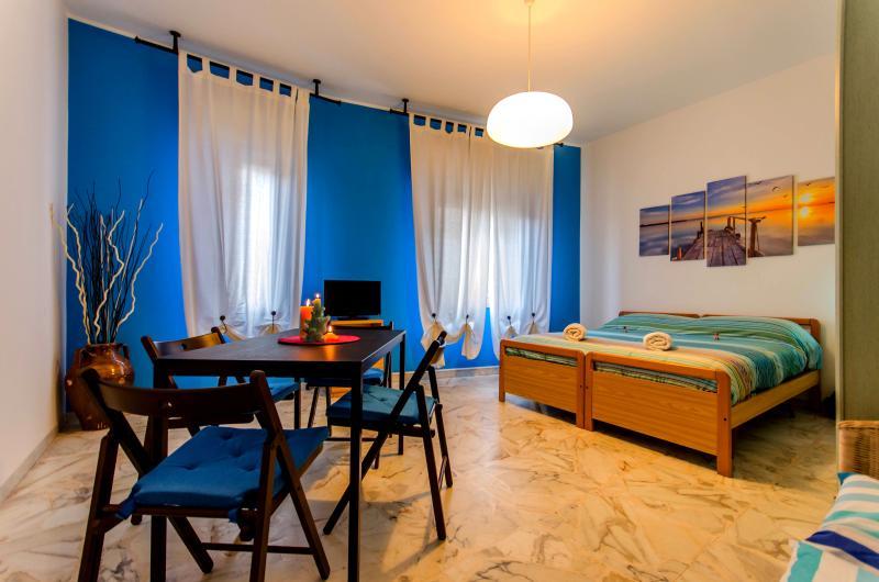 'Naxos Sea holiday apartments'  on Sicily's east coast, casa vacanza a Giardini Naxos