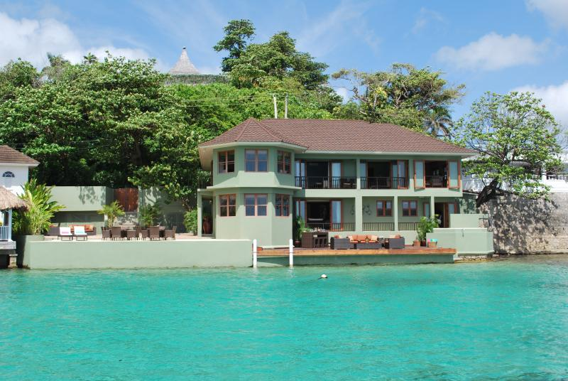 Sea Star Villa Port Antonio Blue Lagoon Jamaica, holiday rental in Long Bay