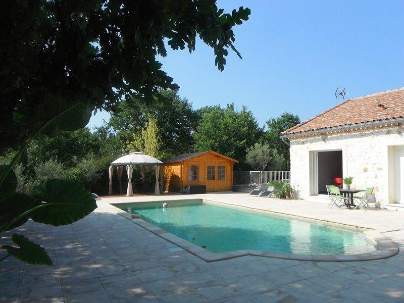 Gîte avec piscine chauffée et SPA (selon saison)on, holiday rental in Sauzet