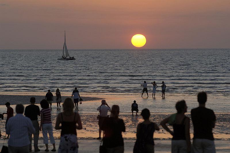 Mindil Beach Sunset Markets, a dry season delight.