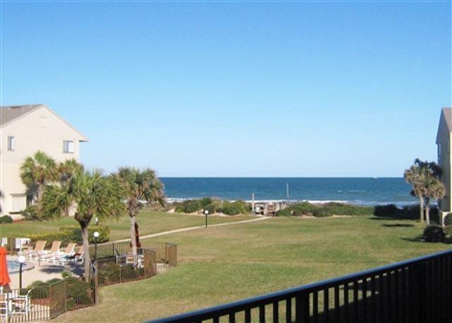 2 Bedrooms, 2.5 Bathrooms, Sleeps 6, Ocean View Condo, 4 Heated Pools, with WiFi, alquiler de vacaciones en Marineland