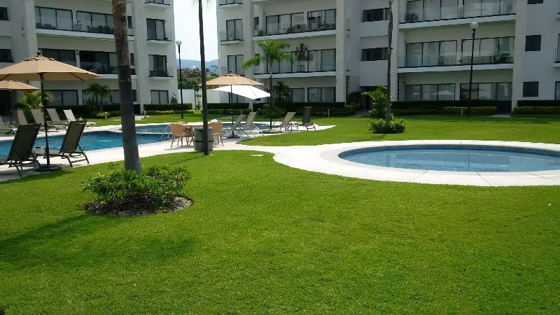 Children´s and special tanning pool available