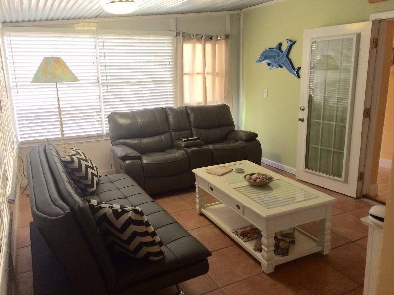 Nuevo sofá de cuero y cuero reclinable o rockers