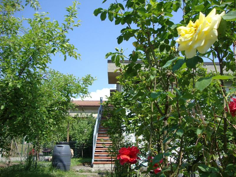 Holiday apartment between Tuscany and Liguria, vakantiewoning in Santo Stefano di Magra