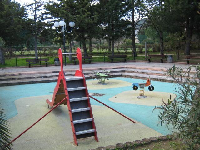 Mini-golf-jeux pour enfants-terrains de boules à côté (20m),théâtre en plein air