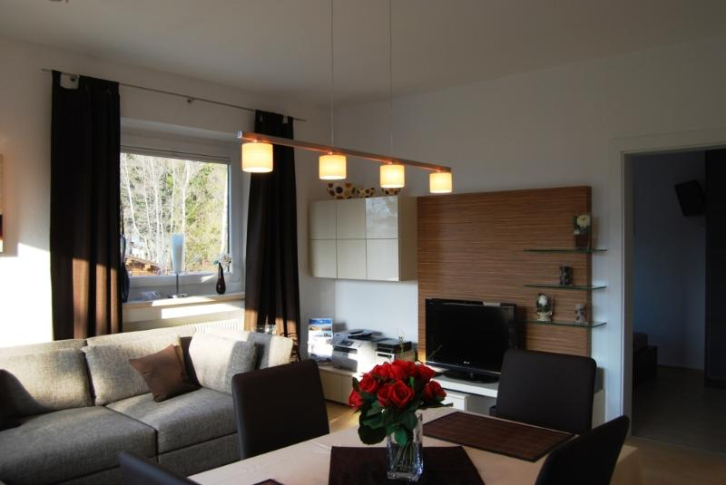 Luxus Appartement Alpenblick ***** in Seefeld, vacation rental in Inzing