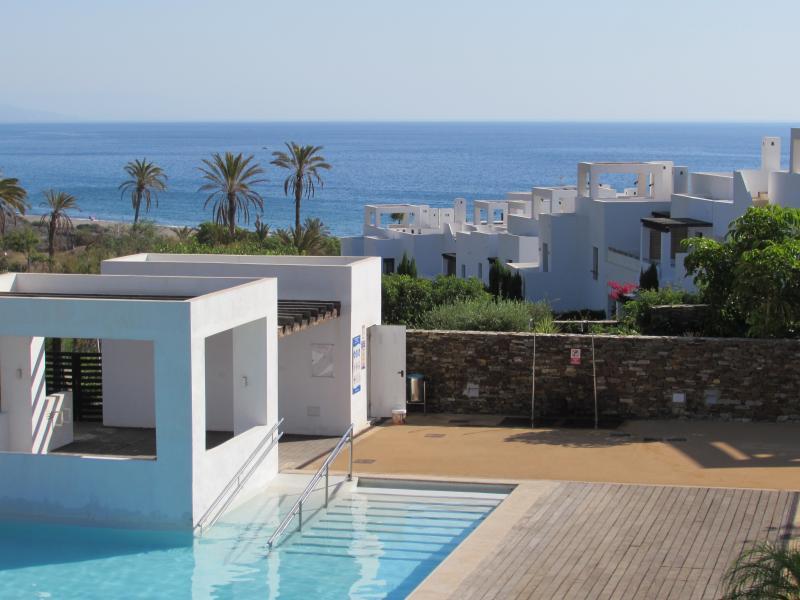 Vistas do jardim piscina