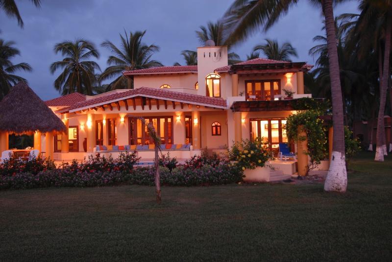 Villa Tortuga is a Beachfront paradise