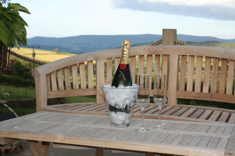 Time to relax and unwind in tranquil surroundings with stunning views