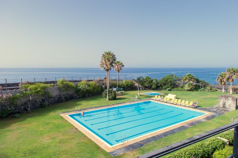 Sea water swimming pool. Heated in winter