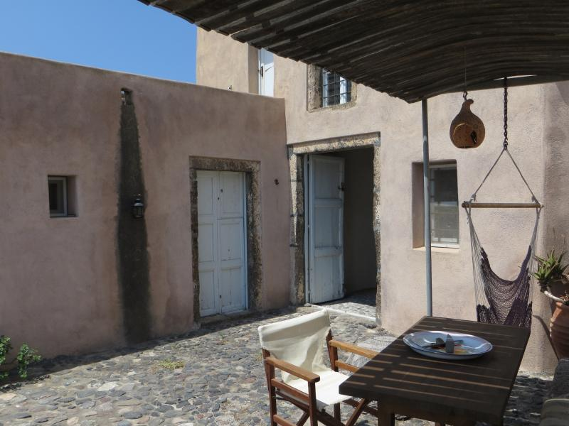 19th century traditional house with great view, location de vacances à Akrotiri