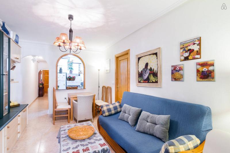 Precioso apartamento en la Playa del Cura, vacation rental in Torrevieja