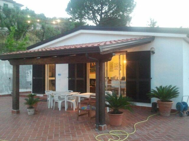 Stupenda Villa immersa nel verde, location de vacances à Itri