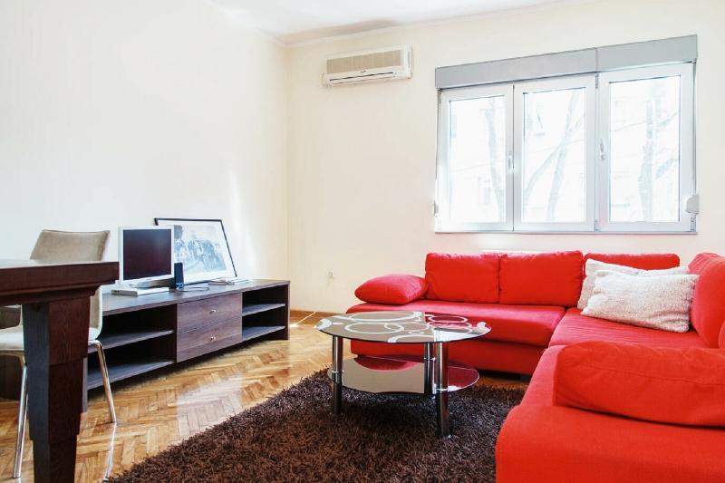Botanical Garden Apartment, holiday rental in Pancevo