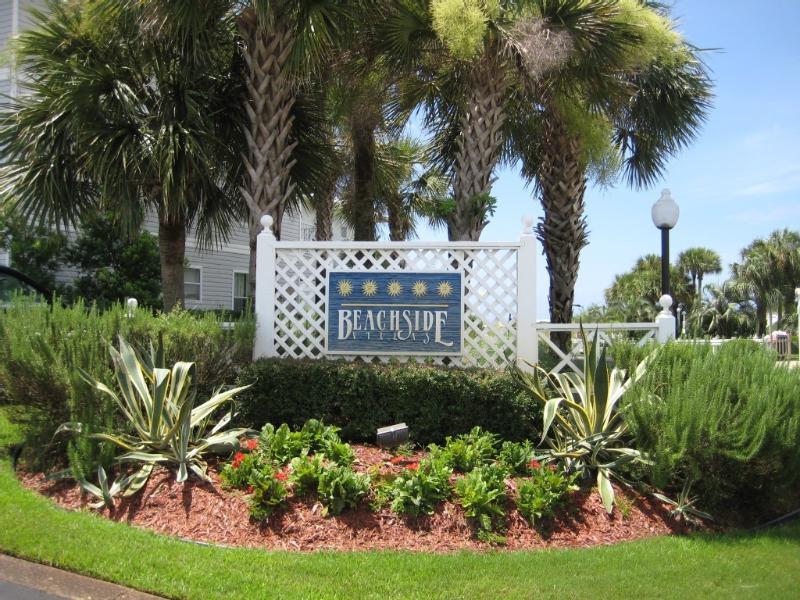 Welcome to Beachside Villas - Entrance Sign