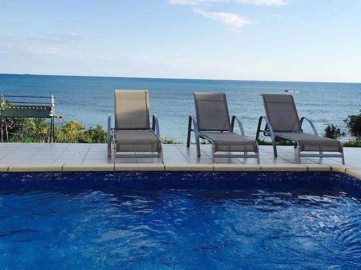 sea front villa Rozalia pool area