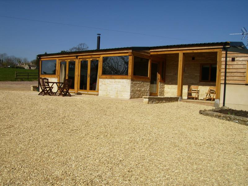 Swallows Rest beautiful spacious barn conversion, vacation rental in Nailsworth