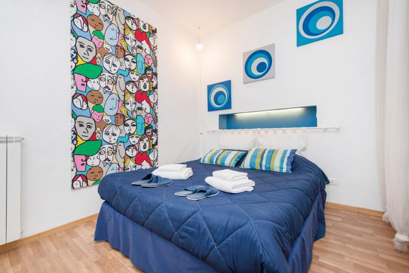 Ariosto Blue studio NEW DOUBLE BED!