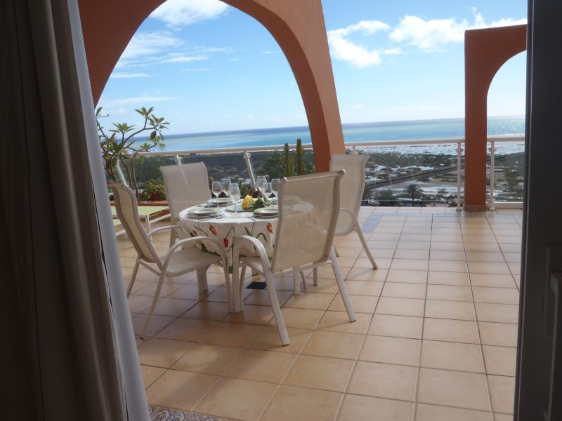 House of the sun Jandia, Wifi free, Private pool, holiday rental in Pajara