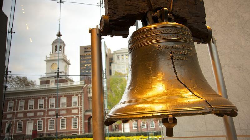 Campana de la Libertad, Centro de la Constitución, el Independence Hall y todos los puntos turísticos son sólo un 3-4 paradas de metro.