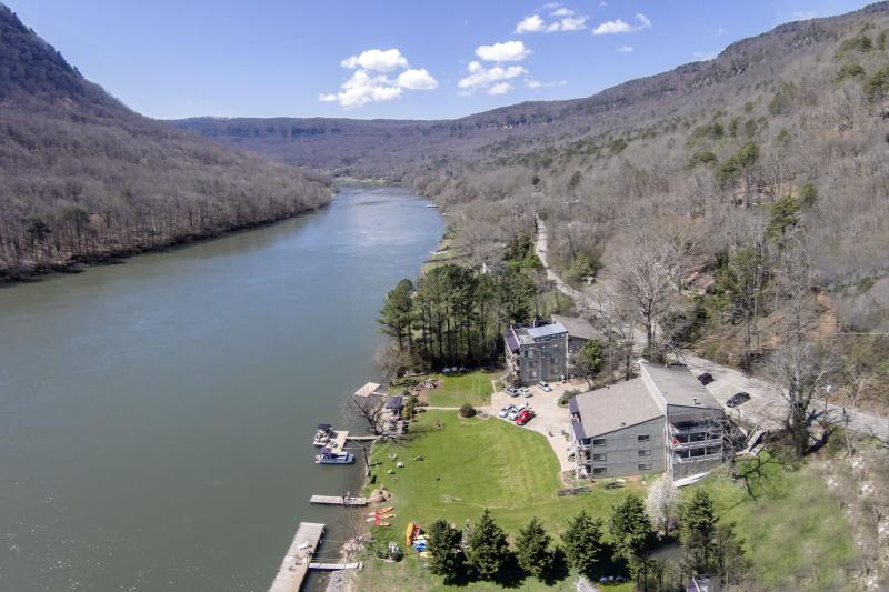 Aerial view of River Canyon Apartments.