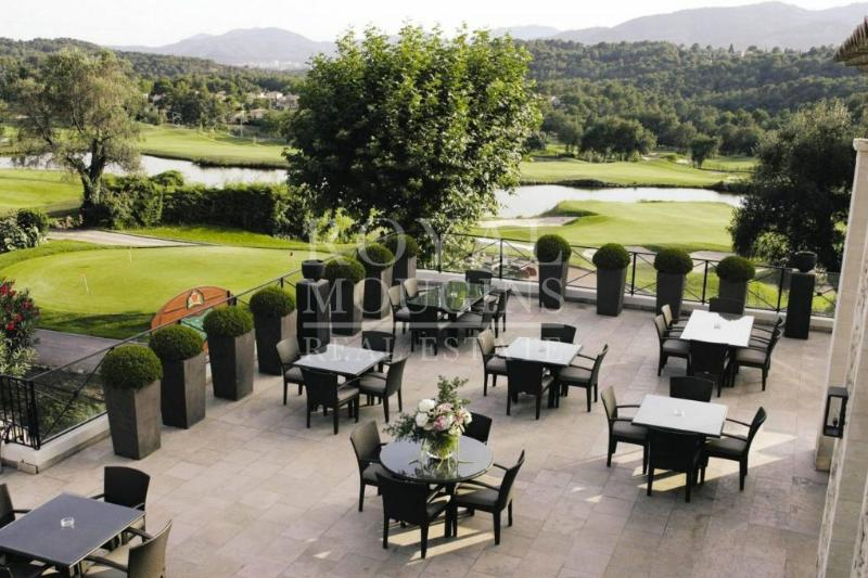 terrasse au Royal Mougins Golf Club