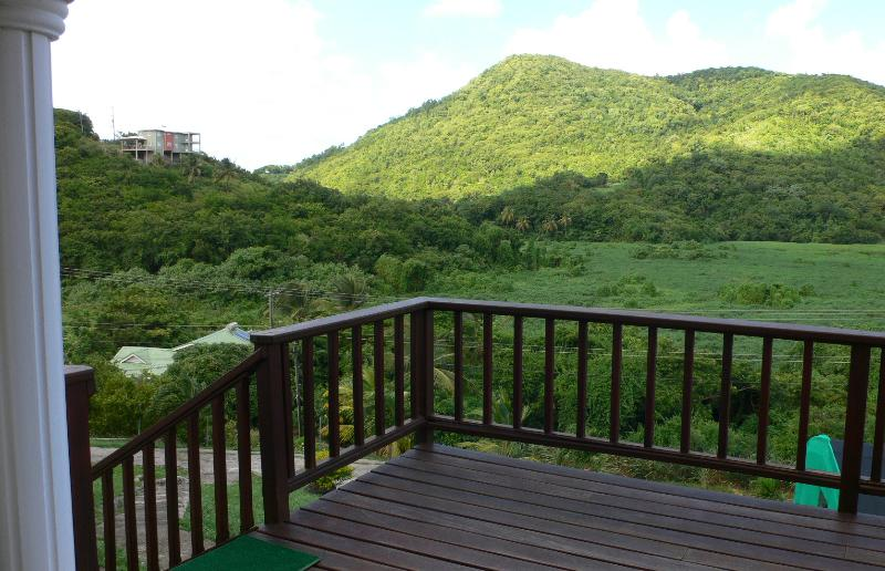 Large Apt. near the beach – semesterbostad i Gros Islet