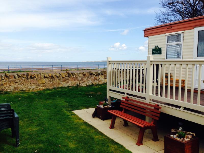 BEAUTIFUL SEA VIEW CARAVAN - SETON SANDS, holiday rental in East Lothian
