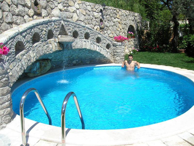 Private swimming pool, ocean view at villa located in sorrento coast booking rentals villasorrento