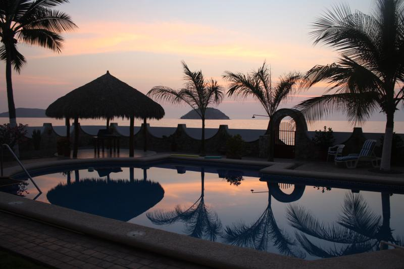 Sunset Casa Aztec Suite, holiday rental in Los Ayala
