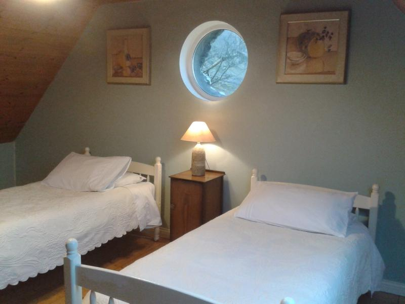 Luthy Lodge, upstairs twin, Bedroom 3