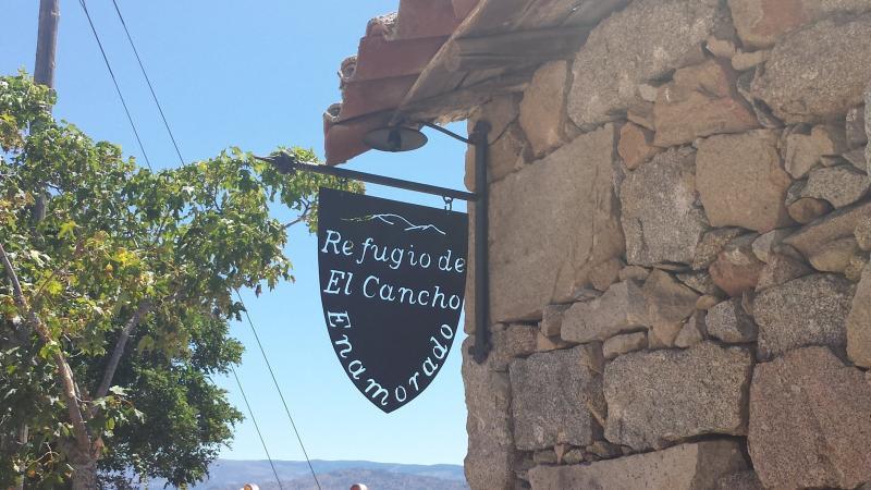 Refugio del Cancho Enamorado, holiday rental in Guijuelo