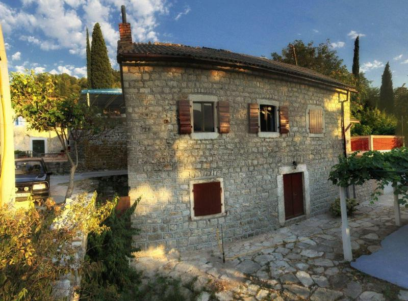 Stone House, holiday rental in Herceg-Novi Municipality