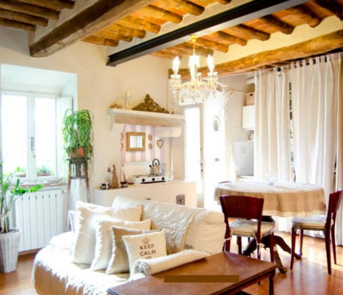 Welcome in Tuscany! This is the living room. What you see in the pictures is REAL!