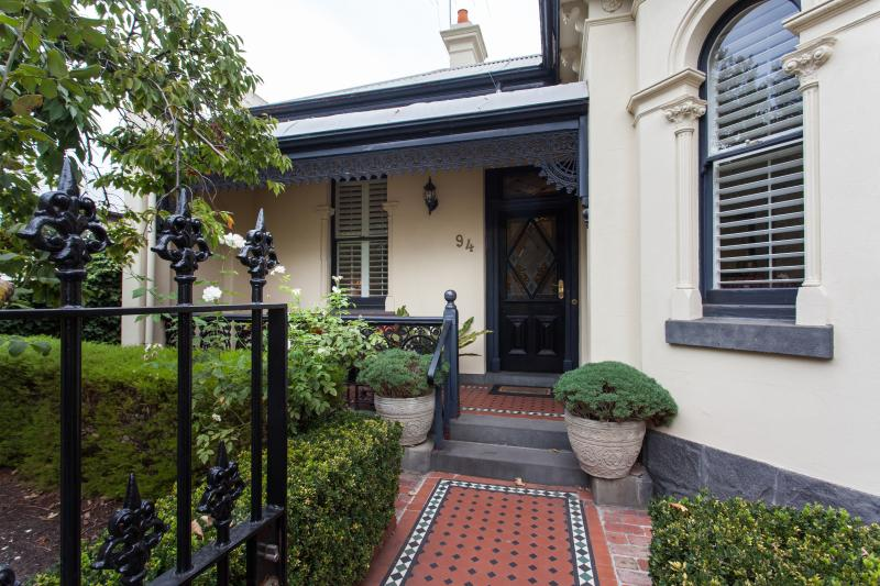 94 Highett Inner Melbourne Period Home for upto 14, vacation rental in Melbourne