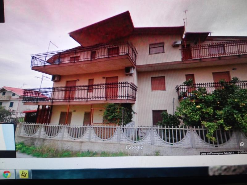 Mara's Beach House, location de vacances à Montepaone Lido