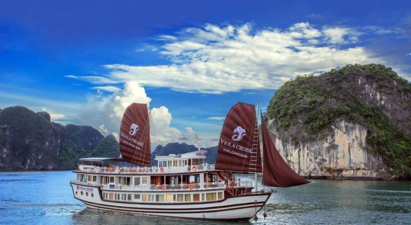 viola cruise halong bay, holiday rental in Hanoi
