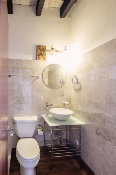 Fully remodeled full bathroom